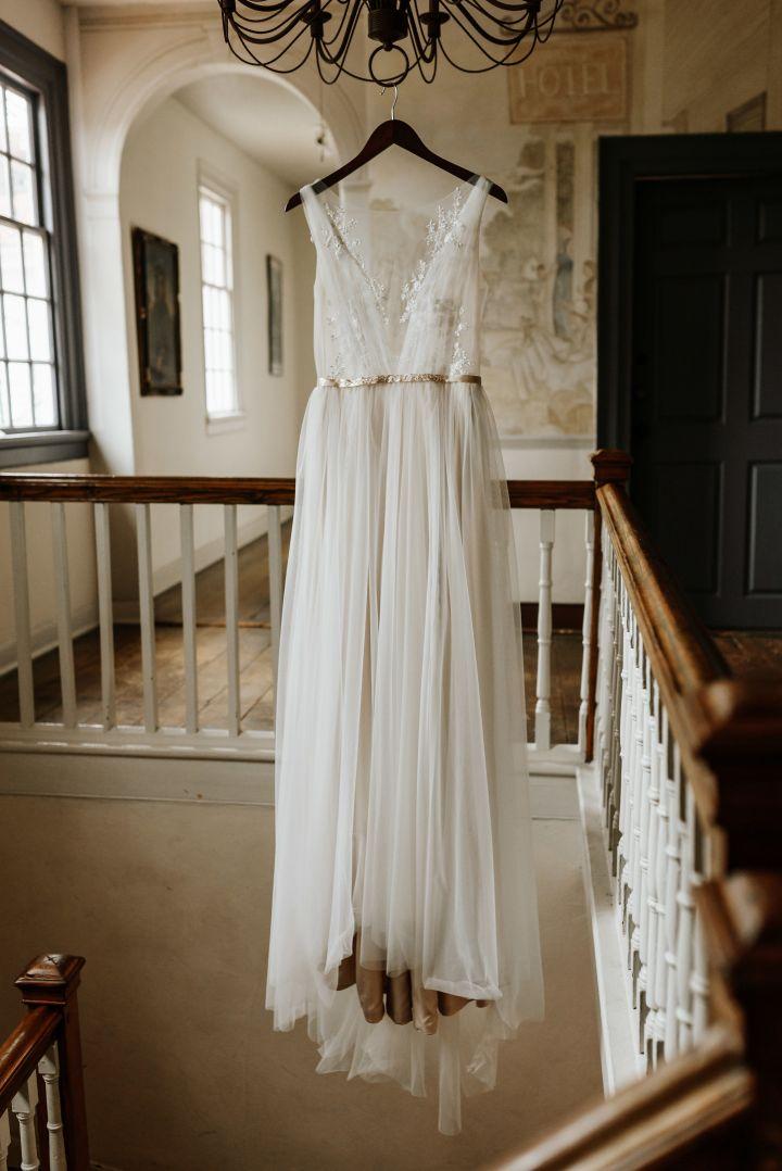 Hanover_Tavern_Wedding_Tori_Jared_Photography_by_V_1210