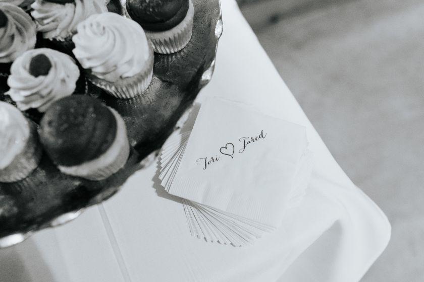 Hanover_Tavern_Wedding_Tori_Jared_Photography_by_V_1580