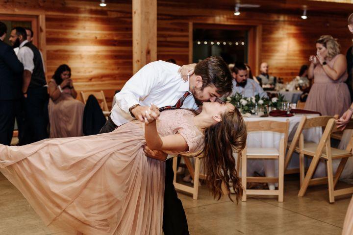 Hanover_Tavern_Wedding_Tori_Jared_Photography_by_V_5972